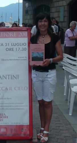 Aurora Cantini libreria Mondadori Lovere Bg Incontro con l'autore